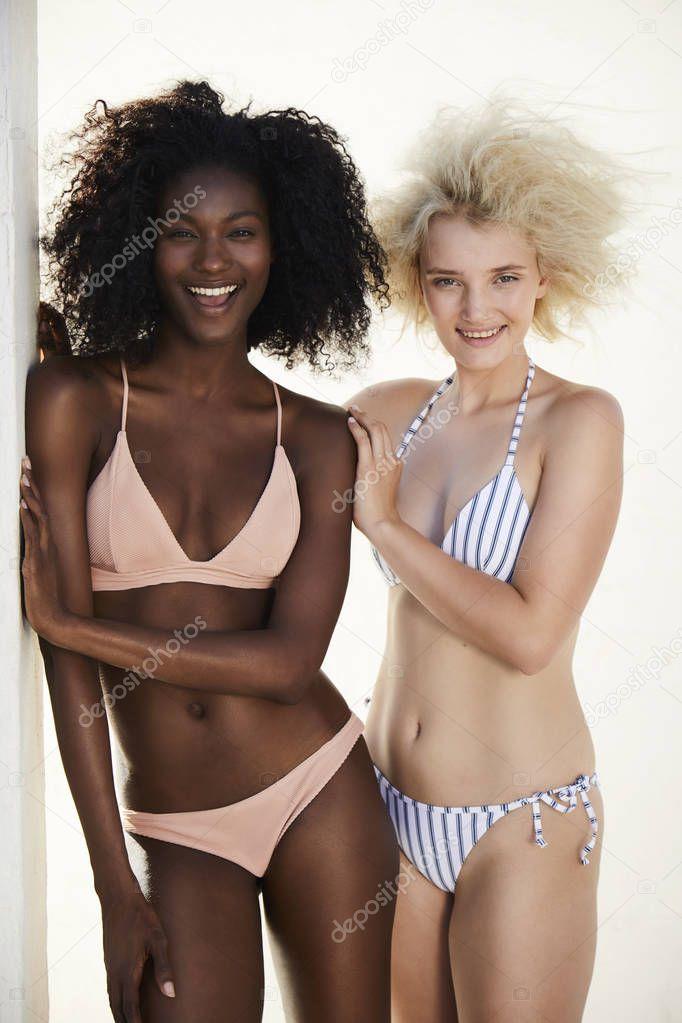 Cámara Bikini Chicas Cámara Chicas Mirando Chicas Risa Bikini Risa Bikini Mirando Risa 54L3ARj