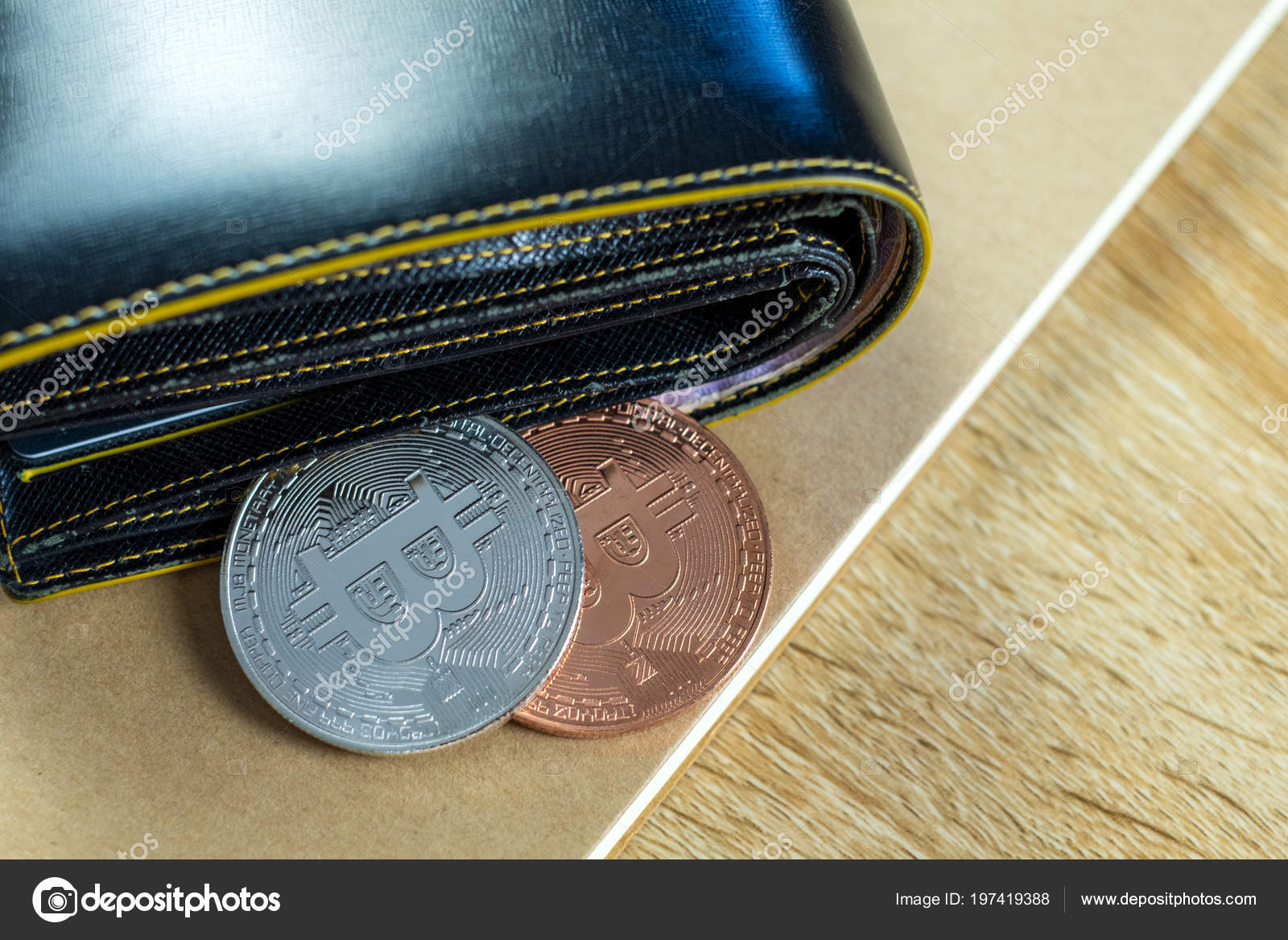 purse wallet cryptocurrency
