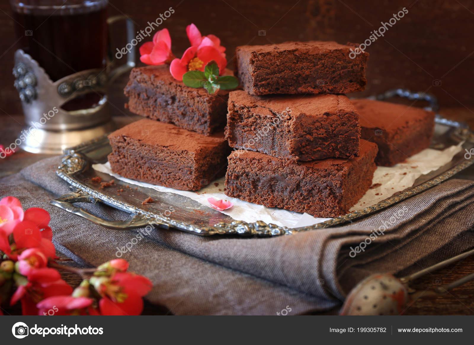 Kızılcıklı ve Çikolatalı Kareler