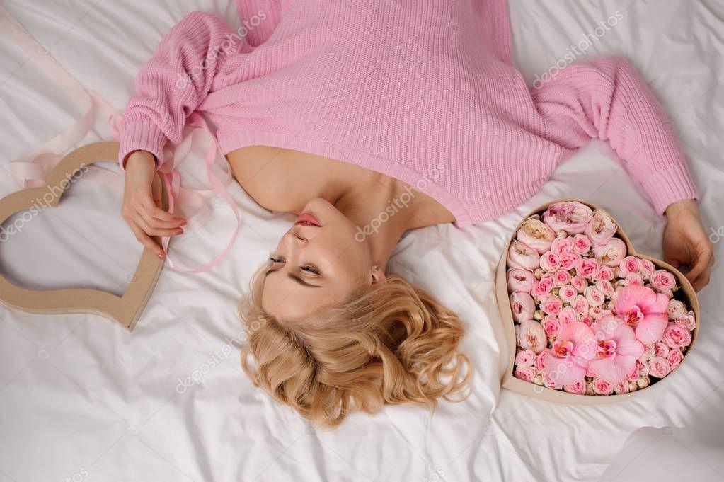 Русское порно блондинка с парнем на пианино пришла брюнетка девушки