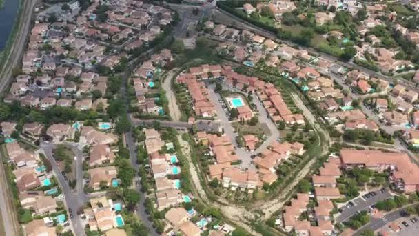 obytné domy s bazény Lattes Montpellier Francie anténa