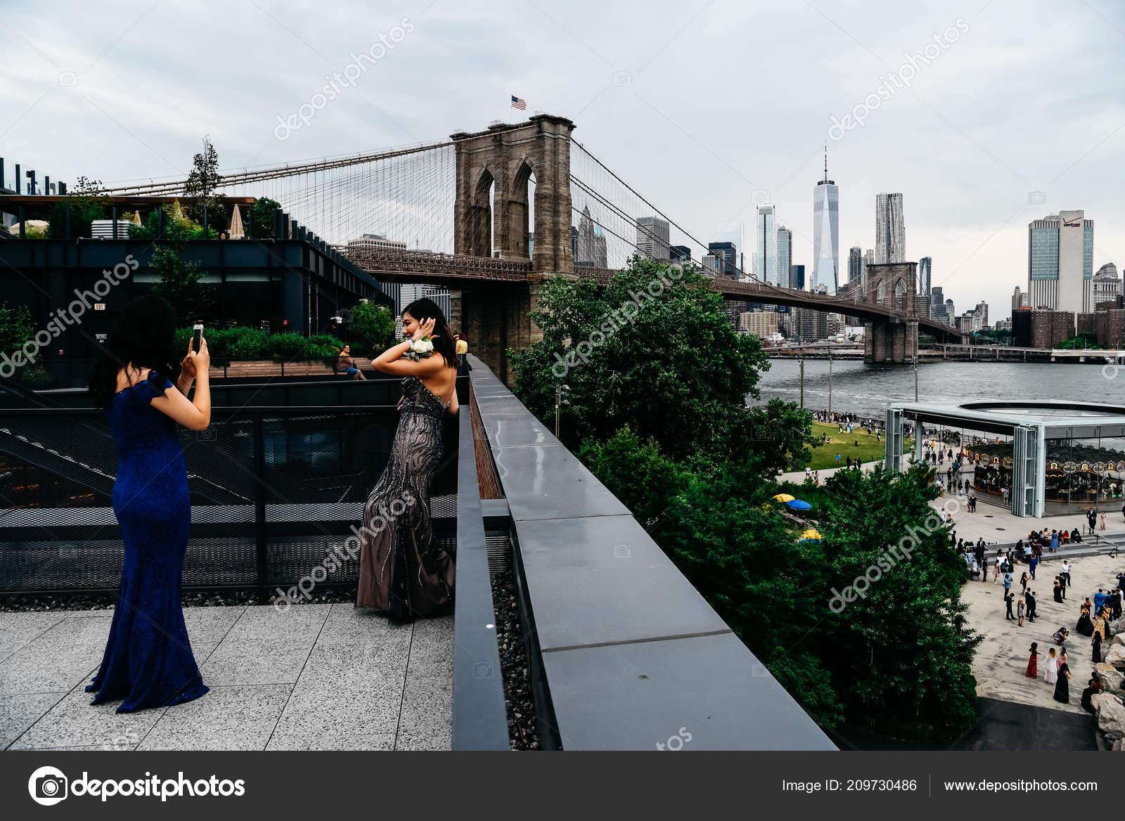 donne in cerca di giovani di new york
