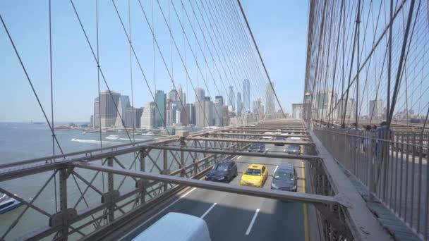 New York, Usa - 25.května 2018:4 k dolly záběr Brooklynský most v New Yorku