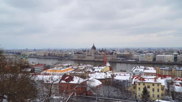 Budapest: Kilátás a hegyről a magyar Országgyűlés épületében