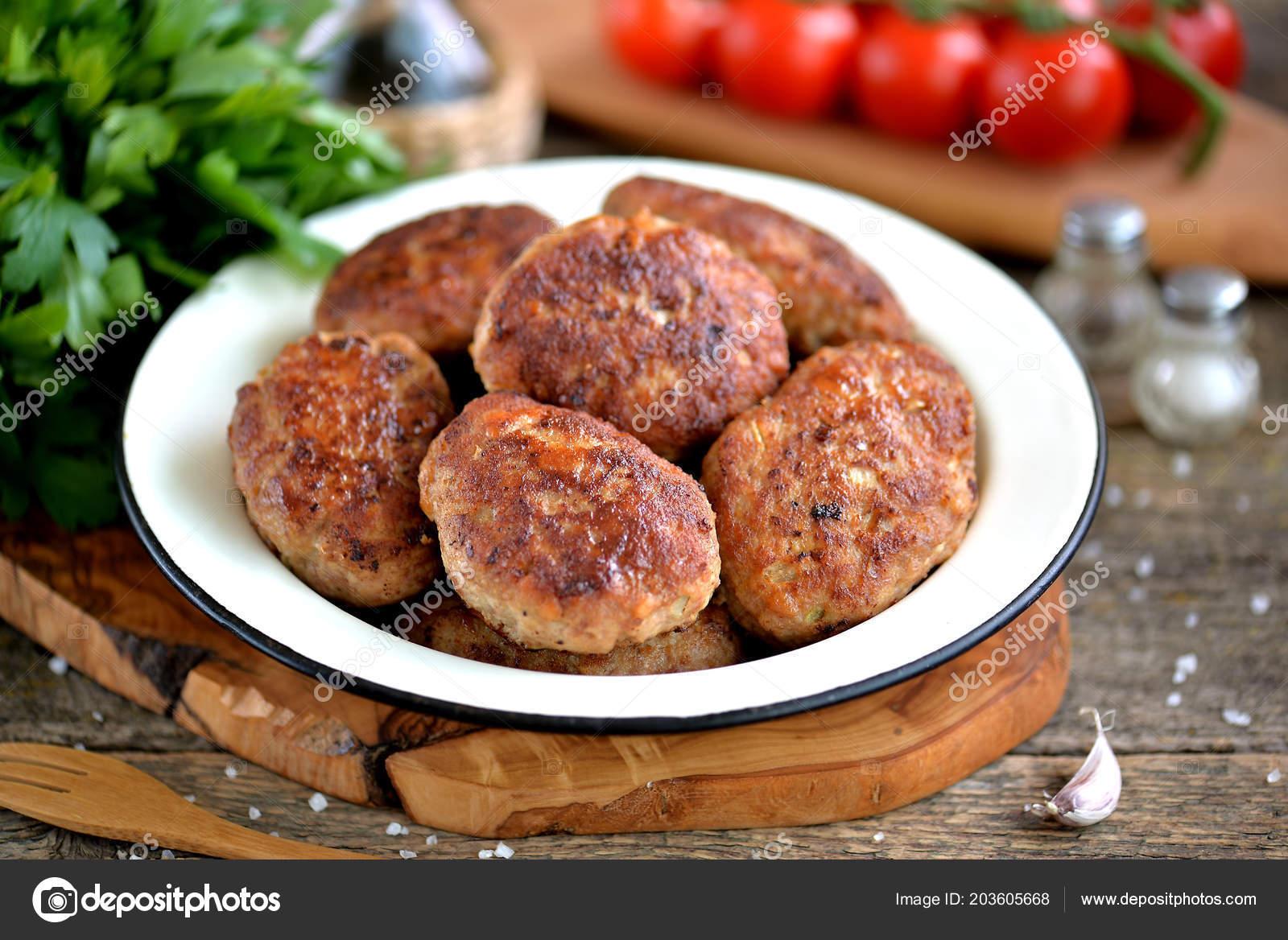 Смотреть Рецепт котлет из фарша говядины и свинины видео