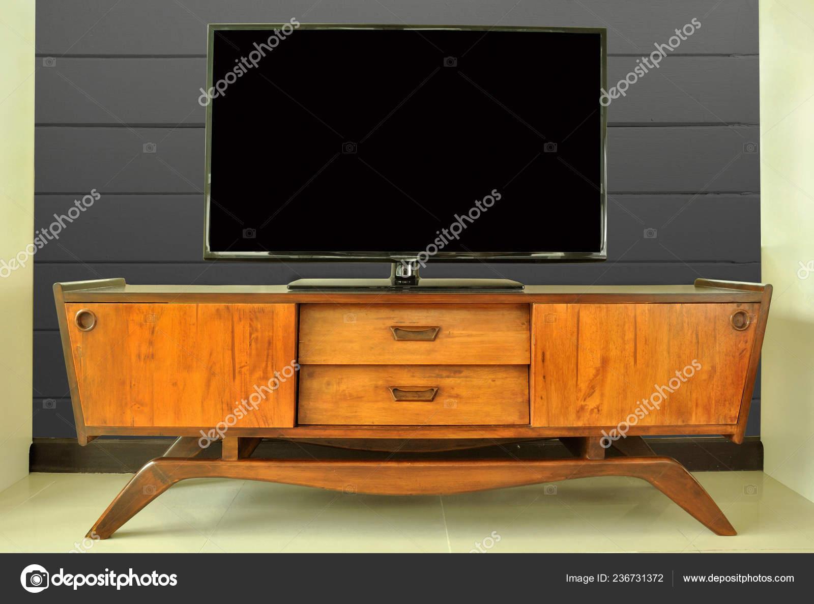 Retro Teak Tv Kast.Teak Retro Television Cabinet Room Dark Wall Stock Photo