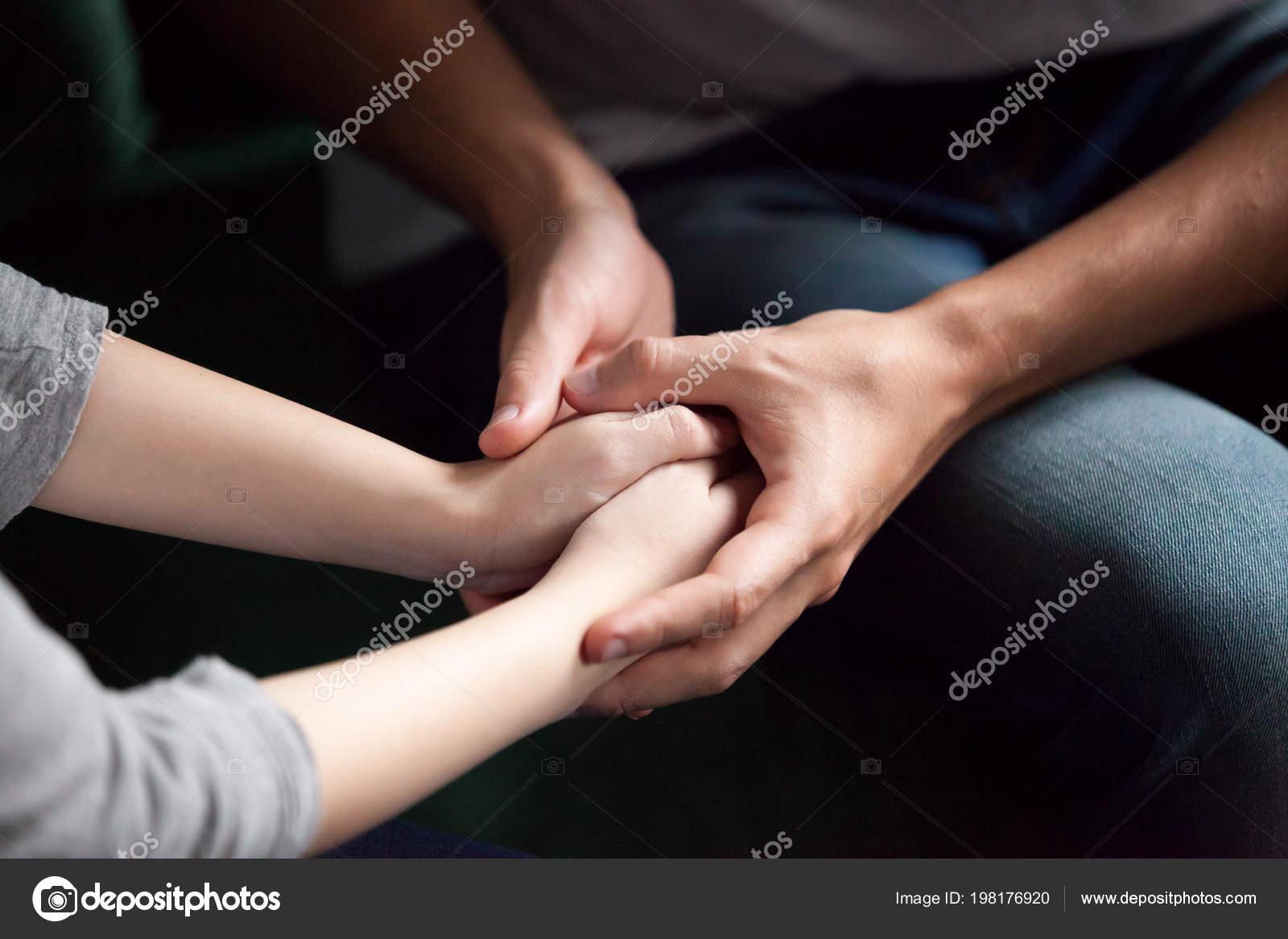 tenant mains Christian Dating www. 100 site de rencontre gratuit