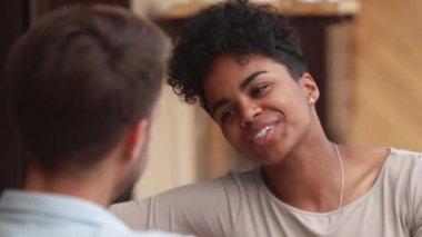 διαφυλετικός dating χιλιετία