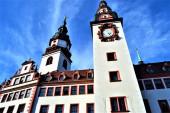 Fotografie Chemnitzer Rathaus und blauer Himmel