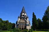 Fotografie Kirche in Chemnitz bei blauem Himmel