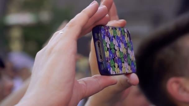 Mobile Phone. Aufnehmen von Fotos und Videos auf Ihrem Handy