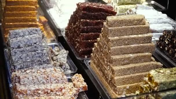 Süßigkeiten. Süßigkeiten auf der Theke. Türkische Süßigkeiten