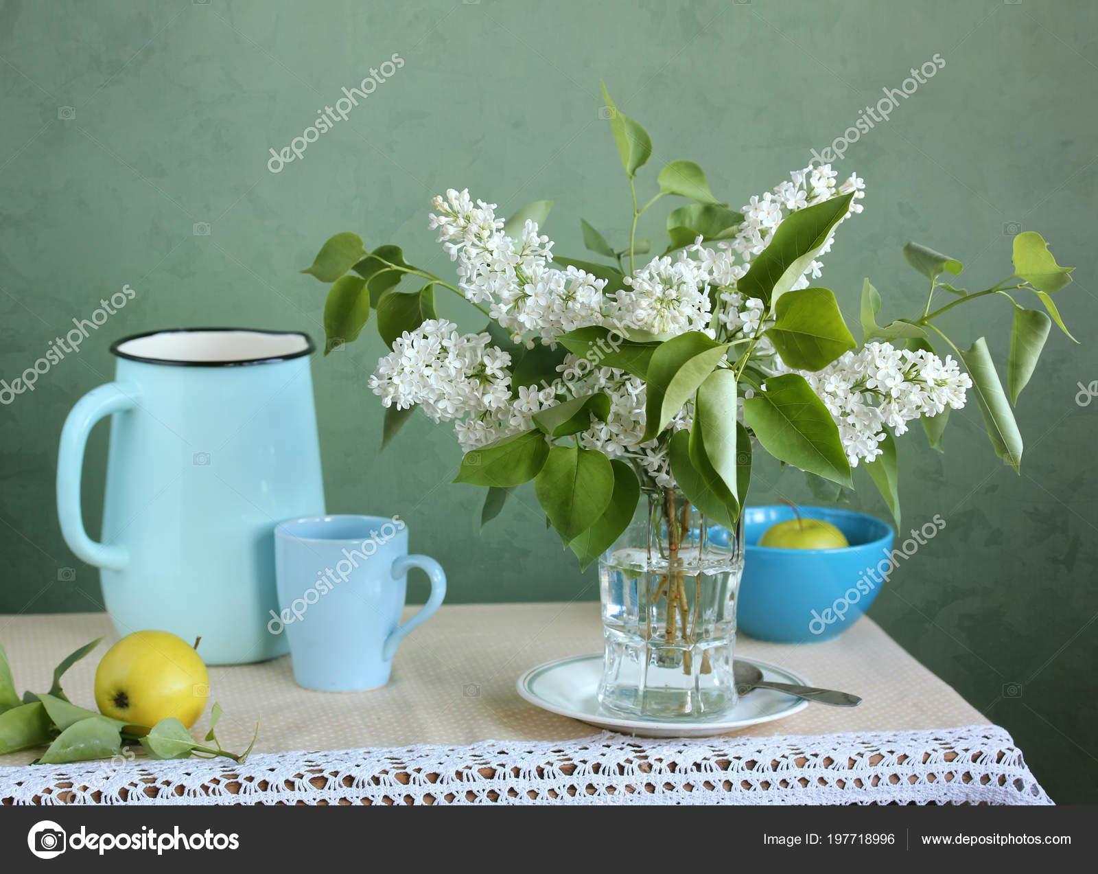 Bir Buket Meyve Rustik Tarzi Naturmort Beyaz Leylak Elma Bir