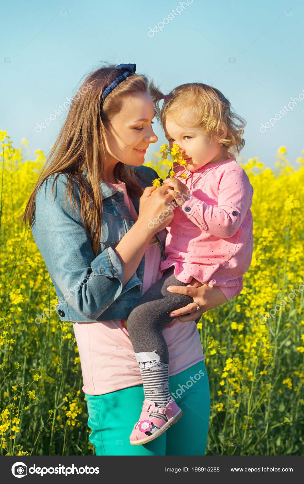 moje dcera chodí s dívkou mohu připojit můj mini mini k mému imacu