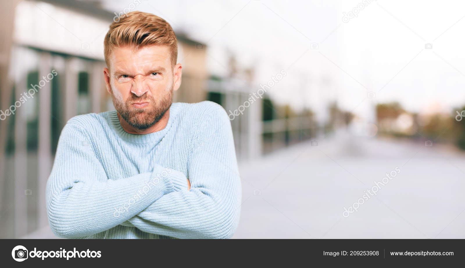 feeling upset and angry - HD1600×924
