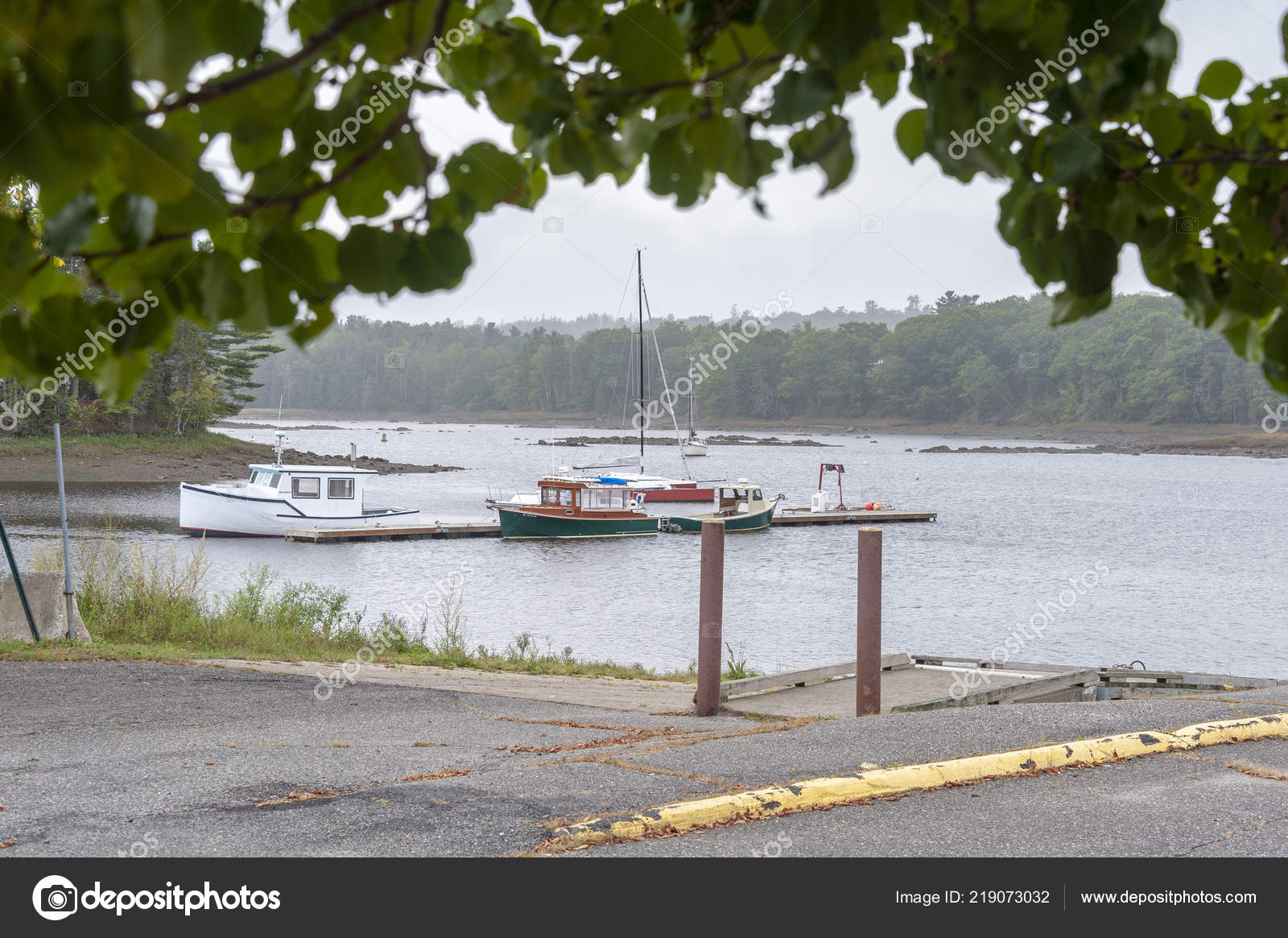 Ellsworth Maine Usa September 2018 Boat Ramp Docked Boats
