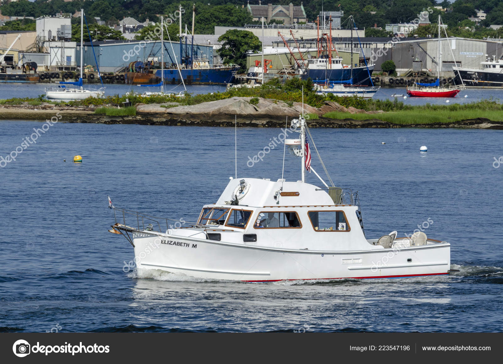 New Bedford Usa August 2018 Motor Yacht Elizabeth Hailing