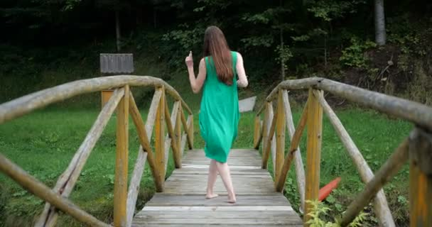 porn-wifes-girl-in-green-dress-riding-cock-boy