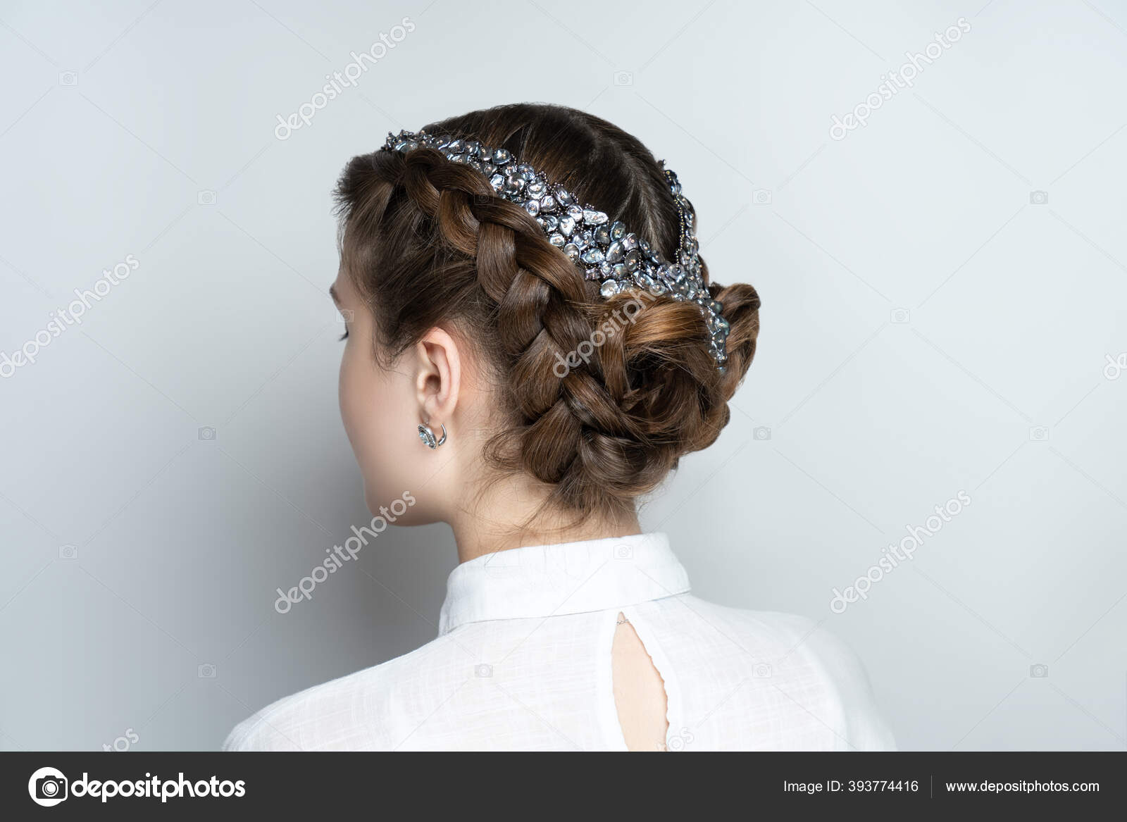 Potret Wanita Cantik Wanita Cantik Rambut Tebal Gaya Rambut Mewah Stok Foto C Olgaosa 393774416