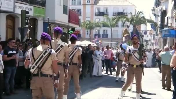 Alora, Španělsko – 14. duben 2019: hostující pochodové kapely se provádějí na Palm Sunday v andaluské vesnici