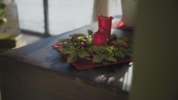 Adventskranz mit Kerzen für die Weihnachtszeit
