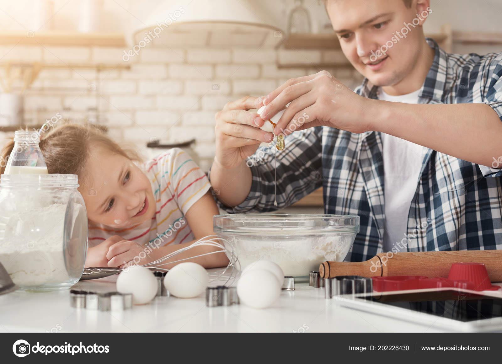 Mom Leaves Daughter Step Dad