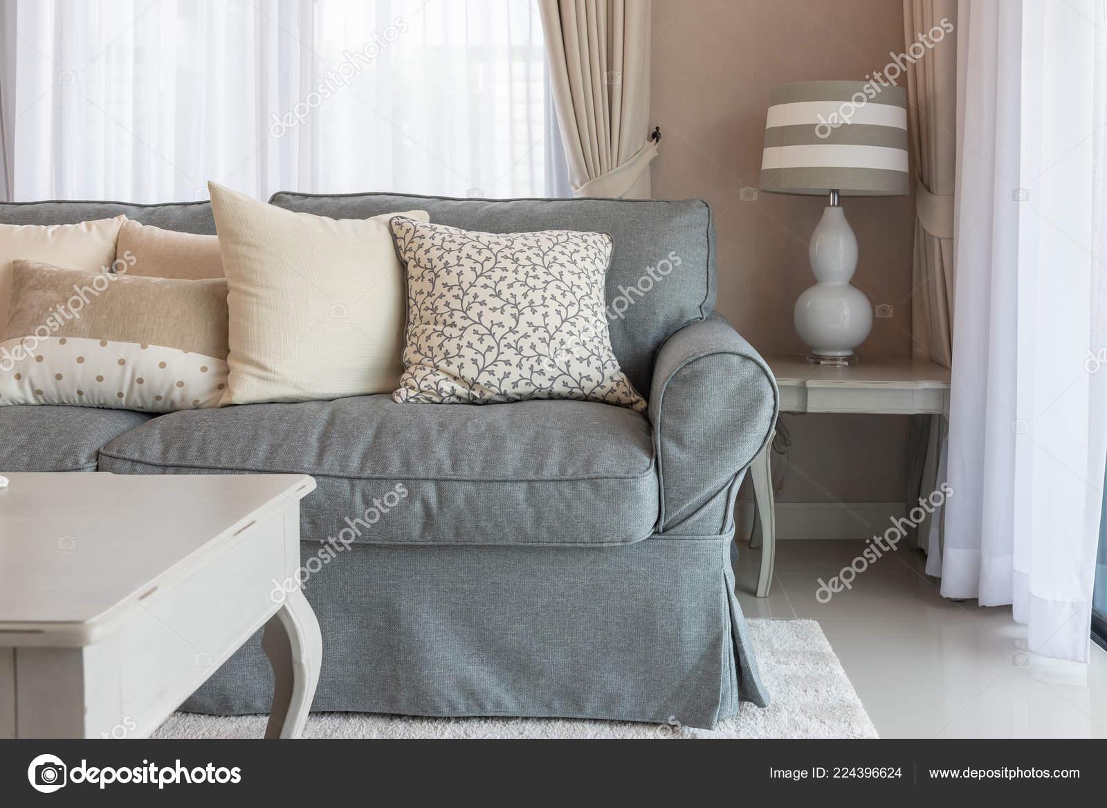 Klassieke woonkamer stijl met elegantie sofa set van kussens
