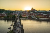 Pražské panorama s Karlův most v Praze staré město, Česká republika.