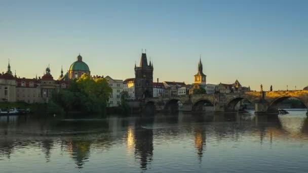 Časová prodleva na Karlův most a staré město v České, republiky timelapse 4k