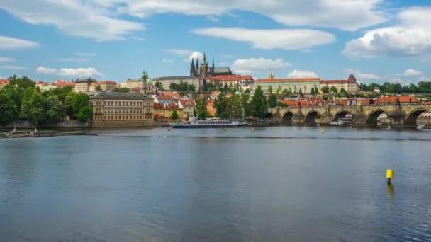 Pražské panorama s Karlův most v Praze timelapse 4k