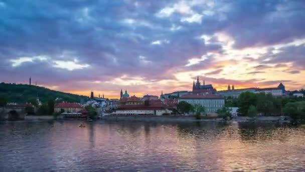 Prague city Panorama den noční timelapse v České republice, časová prodleva 4k