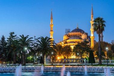 Sultanahmet Camii Istanbul içi, Türkiye'de gece görünümü