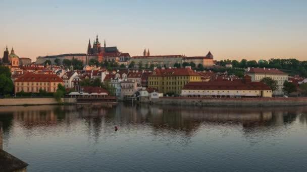 Pražský magistrát s Vltava River v Praze, doba platnosti České republiky