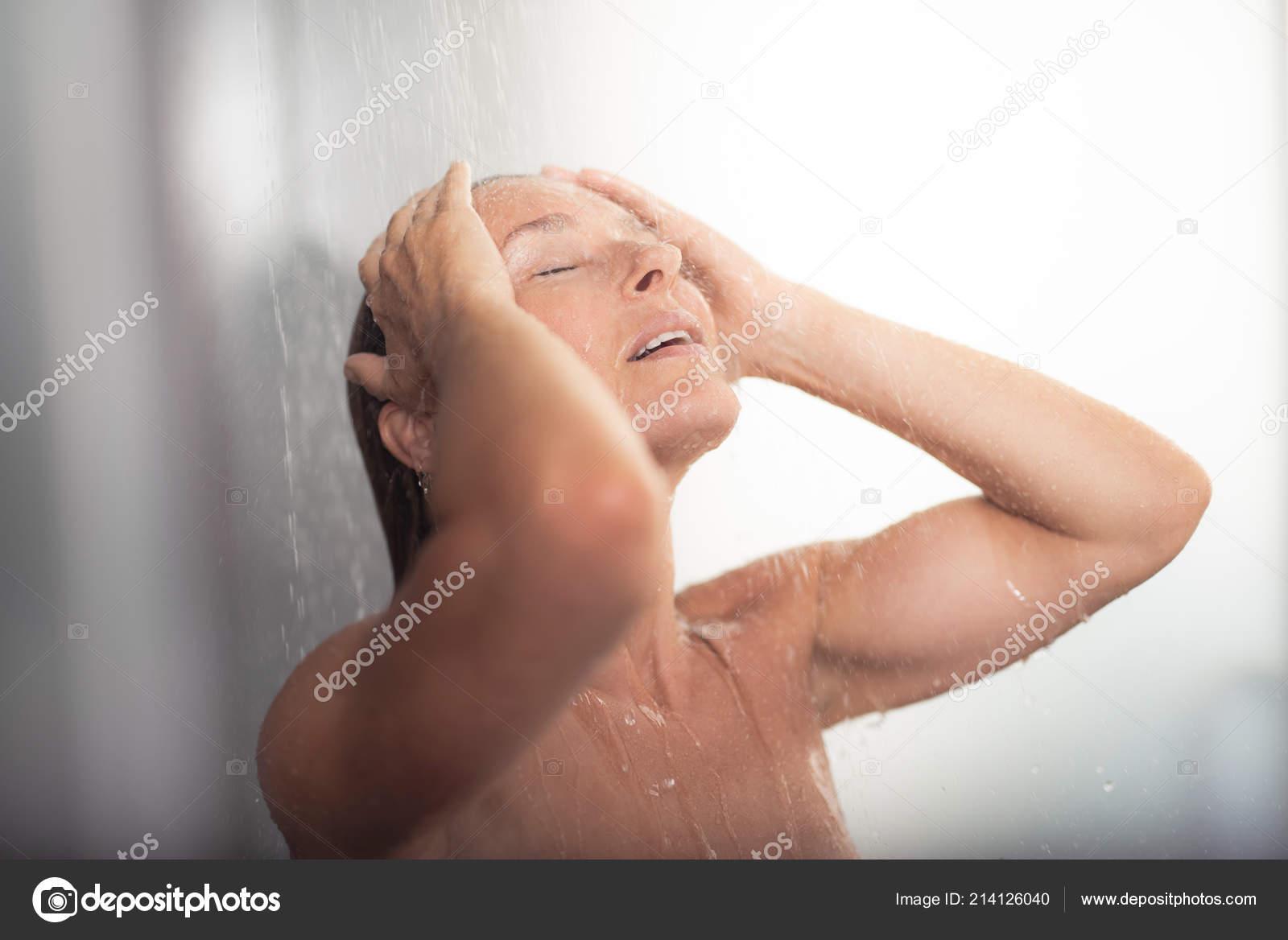 Фото в возрасте женщины расслабляются, видео очень толстые лесби