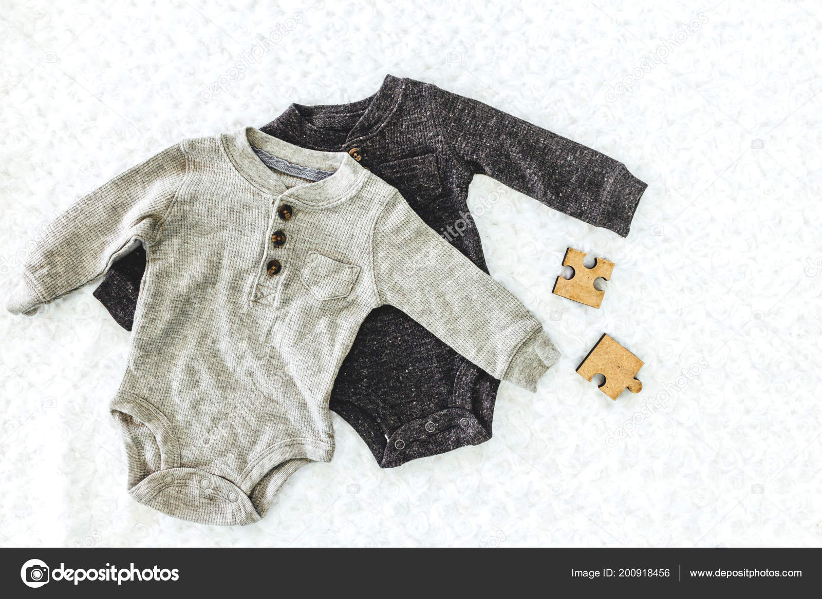 cd9e88792 Clothes Baby Bed — Stock Photo © assumption111  200918456