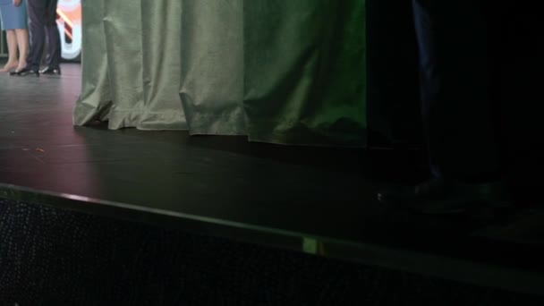Man comes to the stage