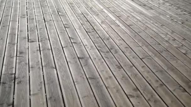 Dřevěný stůl podlahu