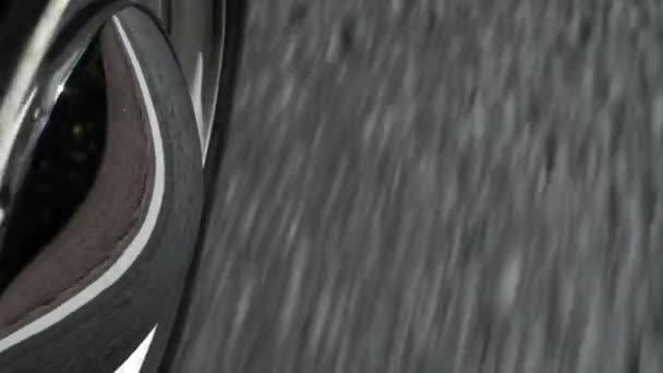 Auto na silnici