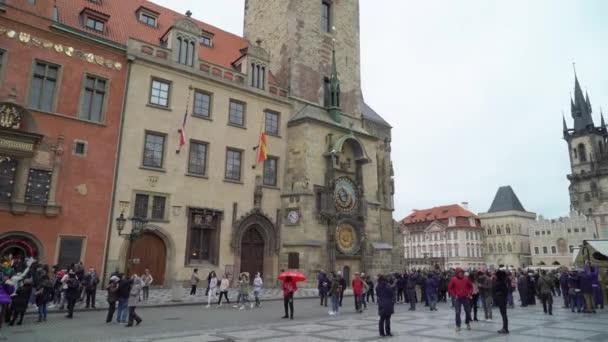 Praha, ÄŚeskĂ  březen 26, 2019: městský čtverec v Praze, Česká republika