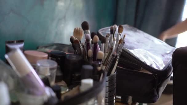 profesionální make-up štětce