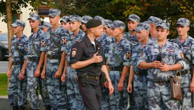rosgardia troops on the streets of Moscow