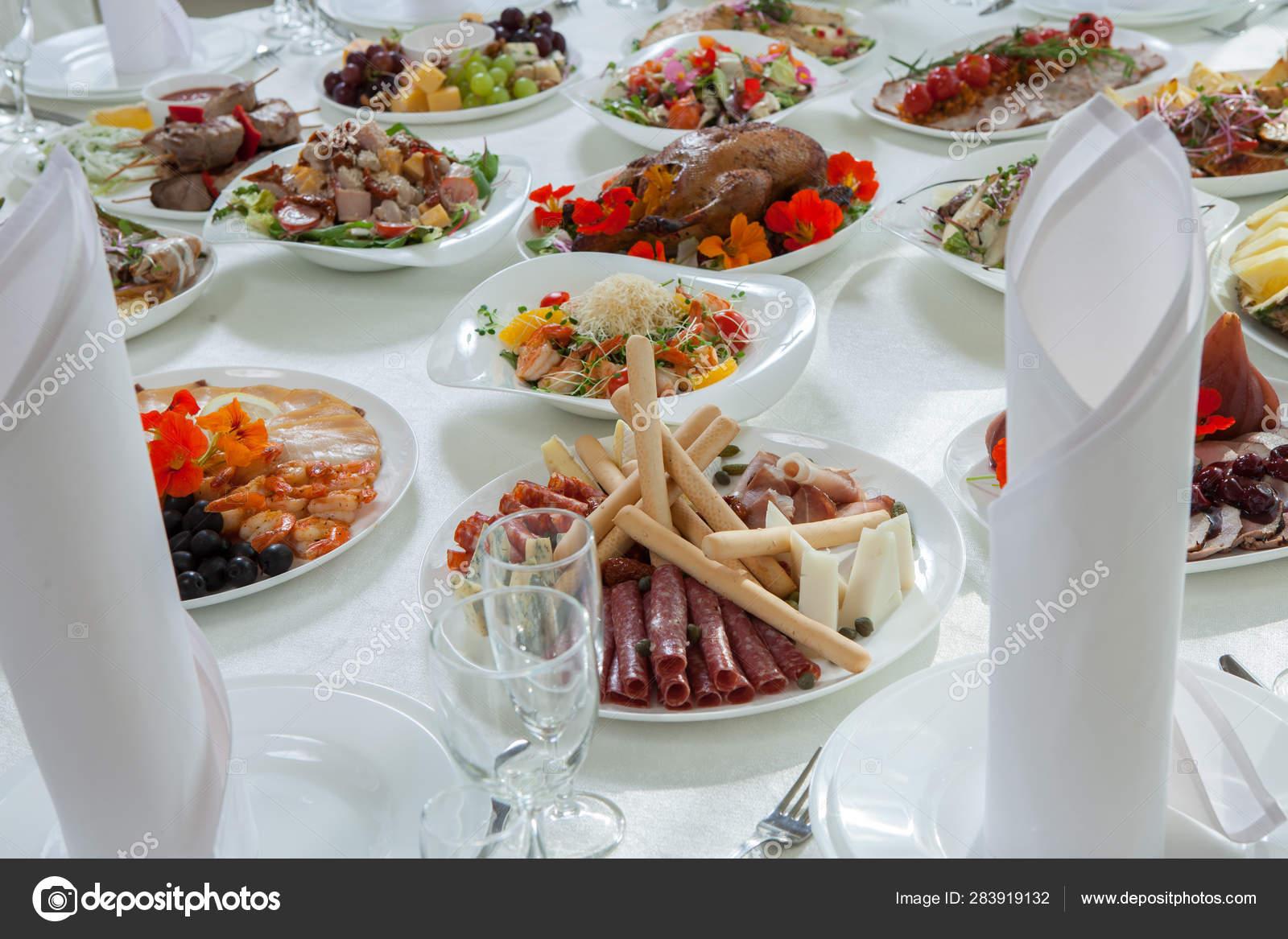 Beautiful Festive Table Served Wedding Celebration Dinner Home Restaurant Interior Stock Photo Image By C Romeovip 283919132