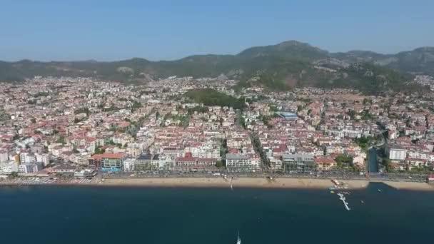 Kıyı kenti Marmaris 'in hava manzarası, Türkiye.