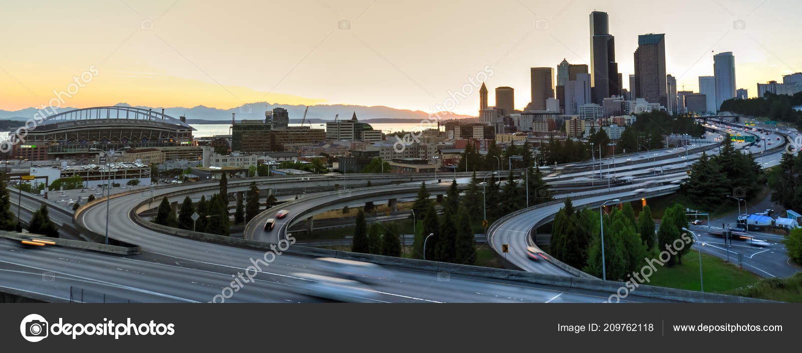 Panoramic View Seattle Skylines Curved Highway Interchange