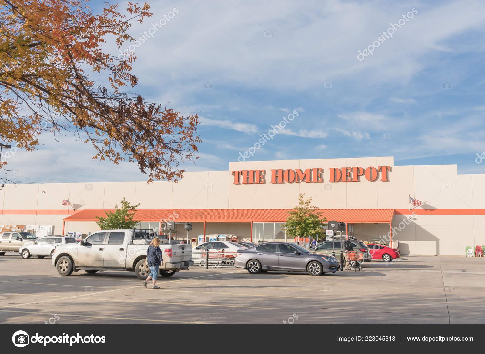 Irving Oct 2018 Customer Enter Home Depot Exterior Storefront Autumn