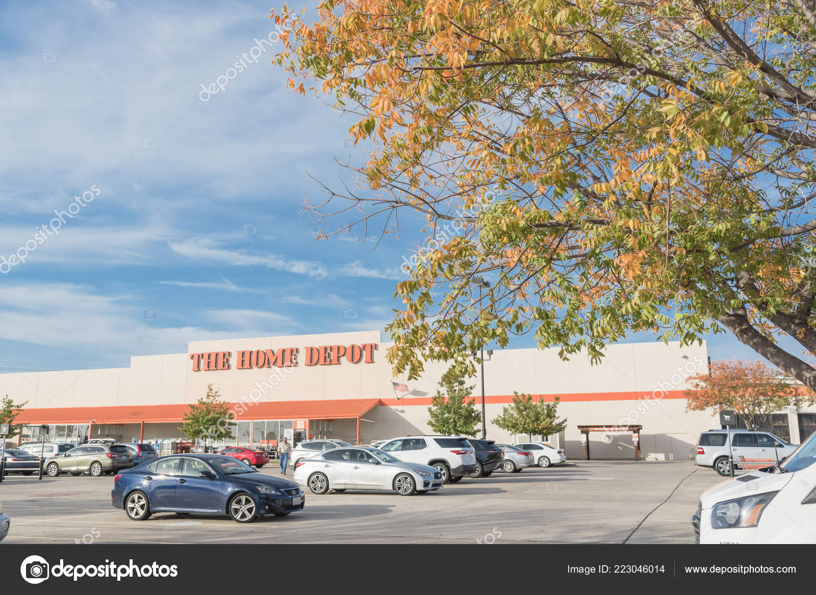 Irving Oct 2018 Home Depot Exterior Storefront Outdoor Parking Lots Stock Editorial Photo C Trongnguyen 223046014
