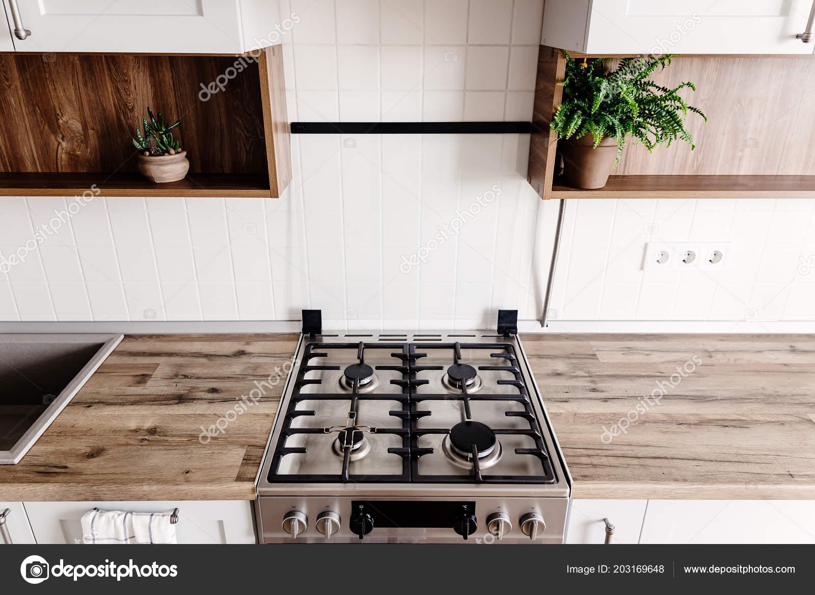 Interieur Staal Interieur : Close staal kachel moderne stijlvolle lichte grijze keuken interieur