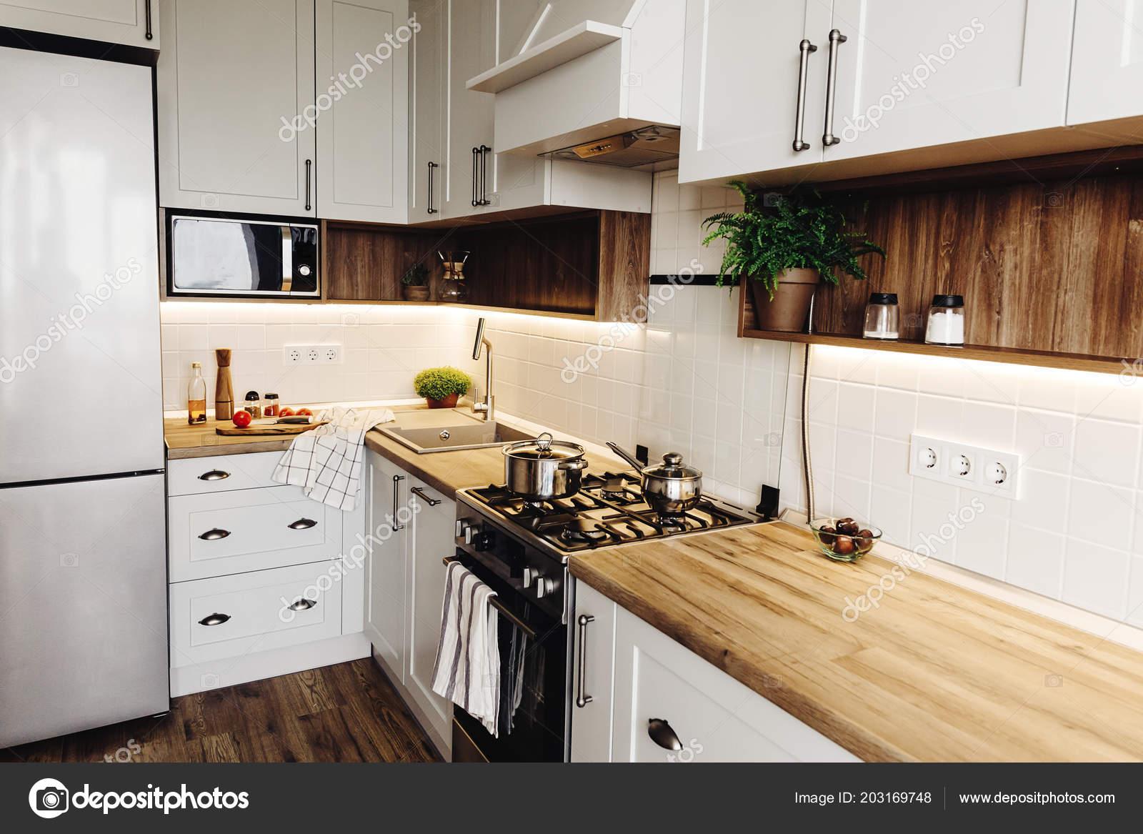 Cottura Cucina Moderna Stile Scandinavo Interiore Elegante ...