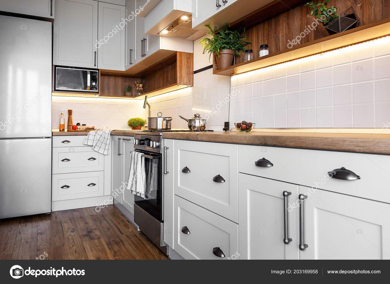 Dise o cocina estilo escandinavo interior elegante cocina for Estilos de gabinetes de cocina modernos