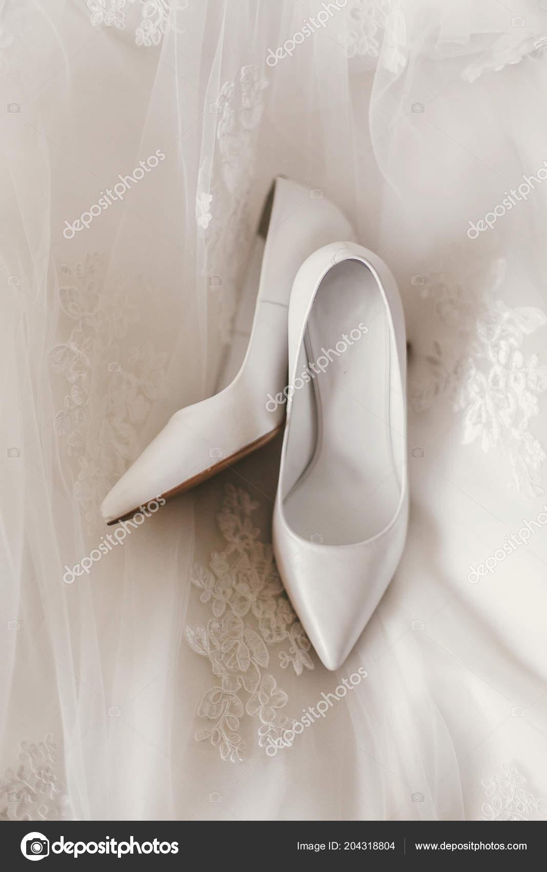Seda Lujo Blanco Con Estilo Hermosos Sencillos Vestido Novia Zapatos c3lKFTJ1